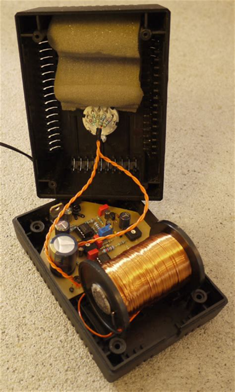 The Detox Box Micro Frequency Generator by 6moons Audio Reviews Healing Earth Schumann Synchronizer