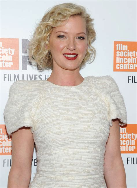Take Hilary Duff And Gretchen Mol by Gretchen Mol Manchester By The Sea Premiere In Ny