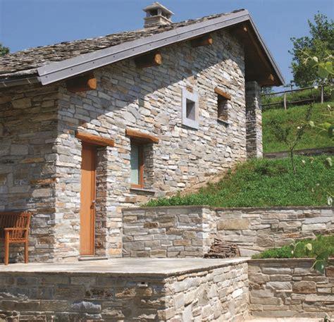 interni in legno e pietra la baita in pietra casa naturale