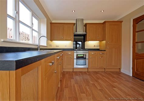 Light Wood Kitchens Pictures Of Kitchens Traditional Light Wood Kitchen Cabinets Kitchen 23