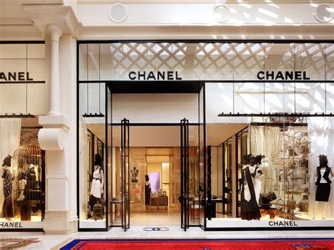 chanel shop chanel outlet special gifts cheap outlet the 38 essential designer stores in las vegas racked vegas