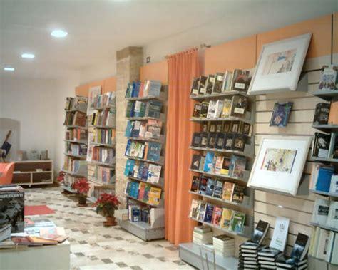 libreria storica libreria storica e indipendente il ghigno un mare di