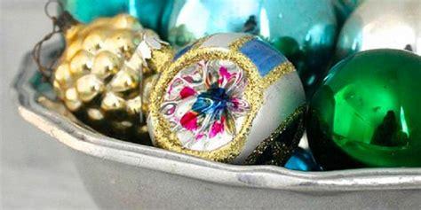 Hiasan Dekorasi Pohon Natal Ornamen Bola Bola Snowman jangan bingung gunakan ornamen sisa untuk dekorasi natal
