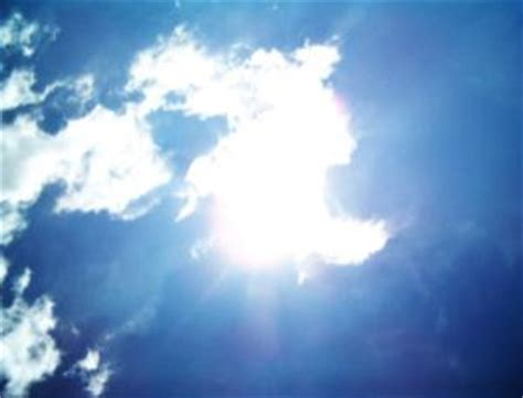 Bouncing Clouds by Halo Effect Explains Brightest Patches Of Sky