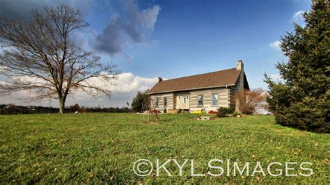 Kentucky Log Cabins by Historic Kentucky Log Cabin For Sale On 15 Acres