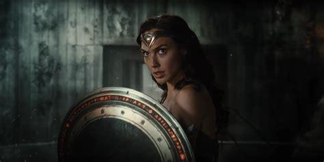 film justice league jelek comic con 2016 watch first justice league movie trailer