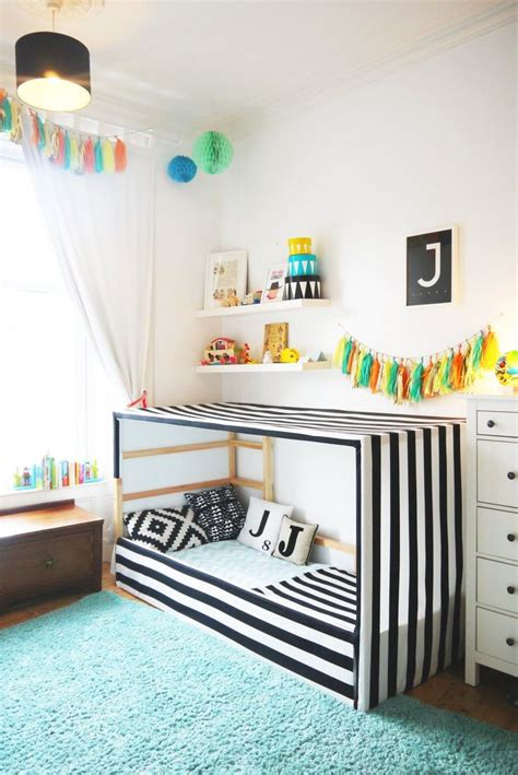 toddler boy beds best 25 toddler floor bed ideas on pinterest montessori