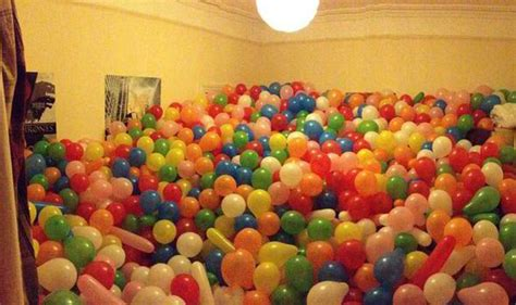 room filled with balloons pranksters fill room of student who left his door unlocked with 5 000 balloons uk news