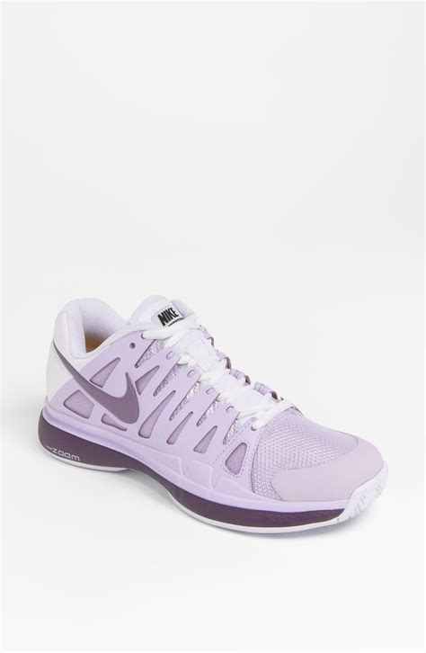 nike high heel tennis shoes memes