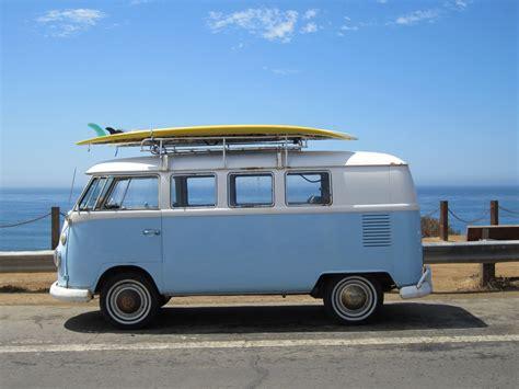 volkswagen van hippie blue volkswagen bus image 378