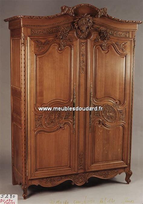 armoire chambre bois armoire cauchoise armoire sculpt 233 e en bois armoire de