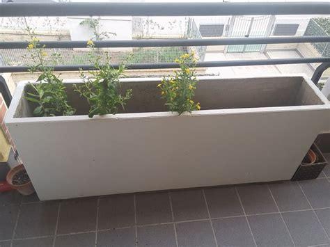 fioriere cemento fioriere in materiale color cemento