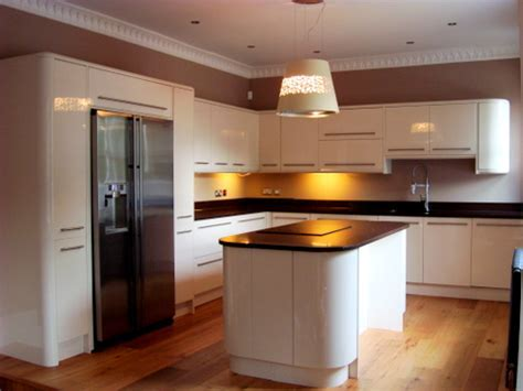Approx 14 Month Old Howdens Cream Gloss Kitchen, Island