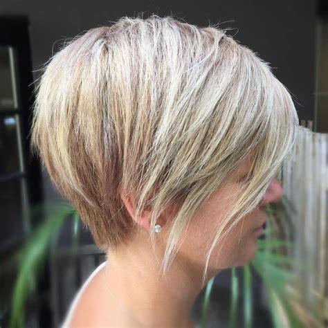 femail shot hair styles seen from behind pi 249 di 25 fantastiche idee su taglio di capelli aline bob