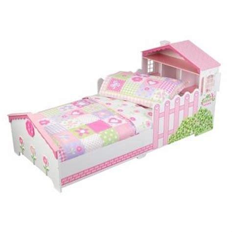 cottage toddler bed kidkraft 77008 dollhouse cottage toddler bedding 4 pc set