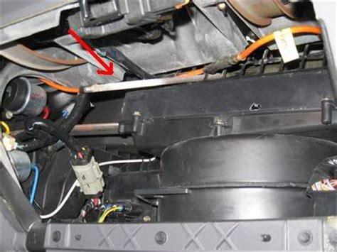 2002 ford explorer blend door broken: 13 complaints