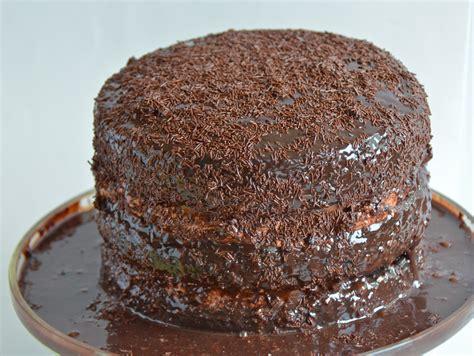 Chocolate Brigadeiro Cake (Bolo de Brigadeiro). New Music From Ben Carrigan.   I Sing In The Kitchen