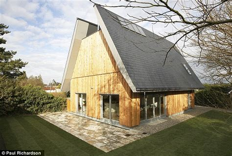 grand designs uk houses grand designs kevin mccloud on the 10 greatest architectural homes daily mail online
