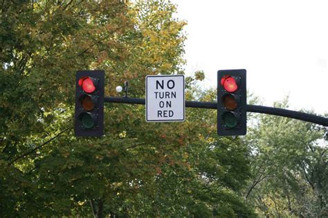 car accidents caused by traffic lights lawyer com accidents caused by ignoring traffic signals