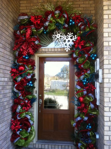 holiday door decorating ideas 15 christmas doors with flower ornaments home design and