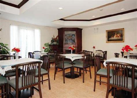 Comfort Suites Newark Nj by Comfort Suites Newark Newark Deals See Hotel Photos