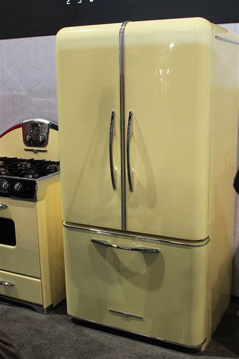 vintage looking kitchen appliances retro style kitchen appliances kenangorgun com