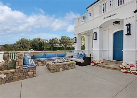 california beach house with crisp white coastal interiors relaxed california beach house with coastal interiors