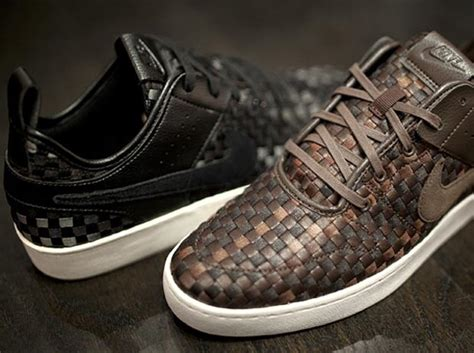Nike Curt Side nike courtside woven trainers has the swoosh all lifestyle