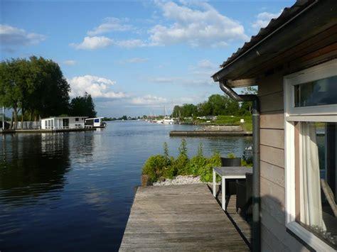 heeg vakantiehuis kopen vakantie vieren aan viswater in friesland