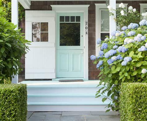 desain rumah pantai warna kuning dan tosca desain rumah unik desain pintu rumah klasik warna biru tosca desain rumah unik
