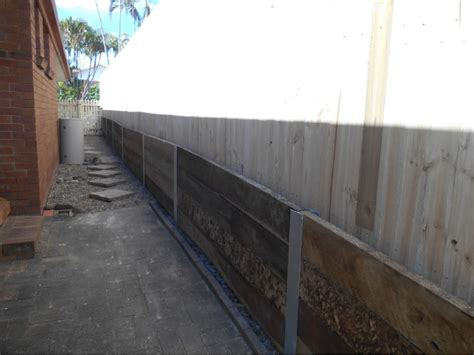 Steel Posts For Sleeper Retaining Wall by Australian Retaining Walls Hardwood Wall With Steel Posts