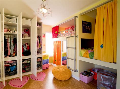 shared childrens bedroom ideas creative shared bedroom for three girls kids room ideas