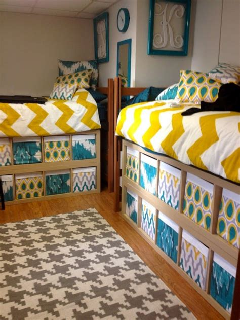 17 smart simple ways to decorate your dorm room brit co