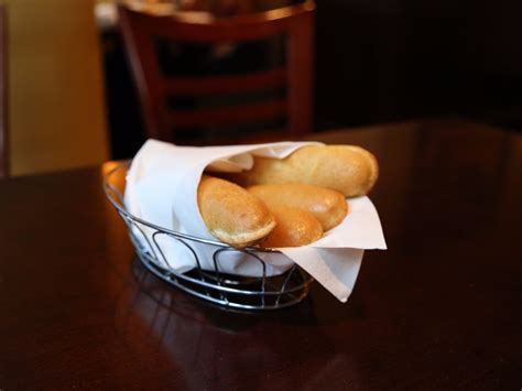 Olive Garden Is Reducing Discounted Plates Business Insider Why You Should Eat At Olive Garden Business Insider