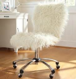 fluffy armchair diy it throw a fuzzy white blanket over your chair white fuzzy fluffy rolling chair