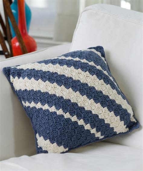 Free Pillow Patterns by Top 10 Free Patterns For Gorgeous Crocheted Pillows