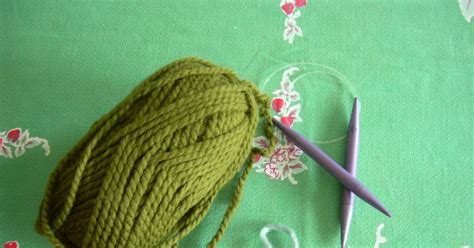 knit a circle smallest friend knitting a circle scarf