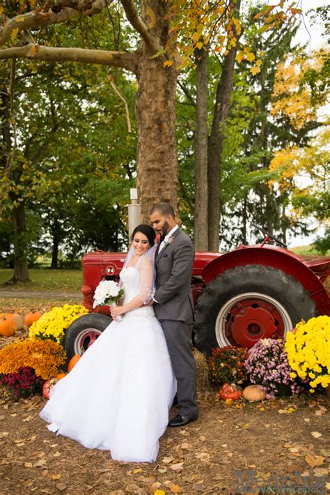 white house fruit farms christina nicholas wedding stambaugh auditorium white house fruit farm blue