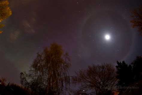 northern lights sun l the great ideas what makes a halo around the sun or moon
