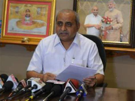 gujarat biography in hindi nitin patel inches ahead in gujarat cm race read