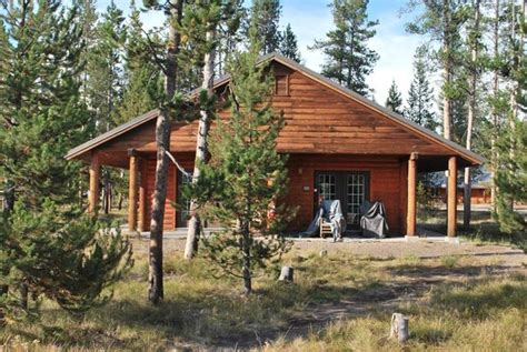 Headwaters Lodge And Cabins Yellowstone by 301 Moved Permanently