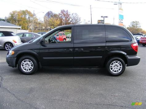 black dodge caravan brilliant black 2007 dodge caravan se exterior photo