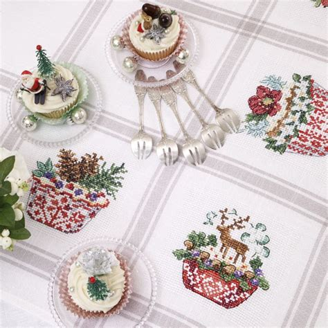 point de croix xmas a 239 da 171 cupcakes de no 235 l 187 tablecloth les brodeuses parisiennes