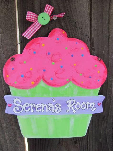 cupcake bedroom decor 25 best ideas about cupcake bedroom on pinterest