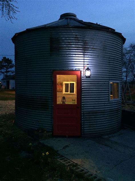 grain bin  night  put   door   grain