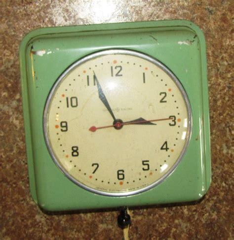 green kitchen clocks vintage retro modern ge general electric jadeite green