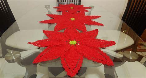 antel de noche buenas a crochet 2 flor de nochebuena a crochet para camino o centro de