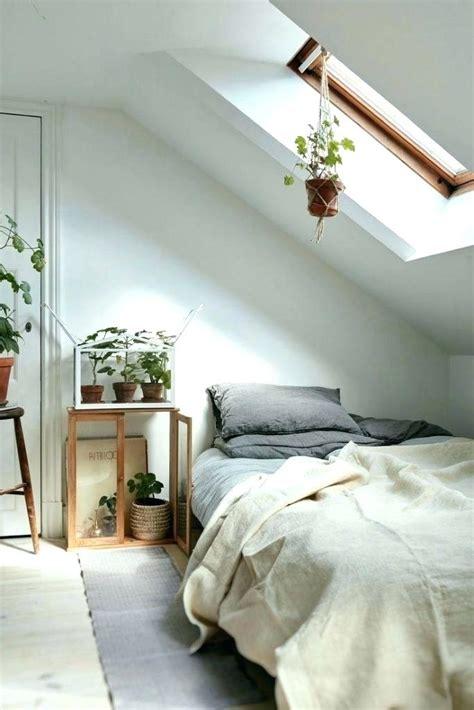 sloped roof bedroom ideas www indiepedia org