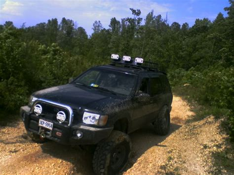 nissan xterra lifted off road 2004 pathfinder lift pirate4x4 com 4x4 and off road