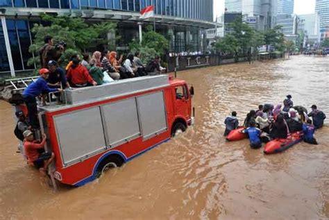 karena banjir jakarta penerbangan banjarmasin dibatalkan republika